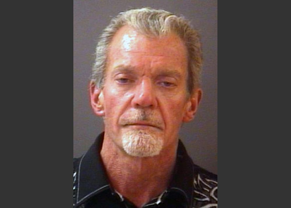 Police: Colts owner had $29K in cash when arrested