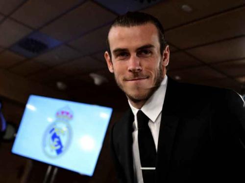 Nuvem negra! Bale deve ficar mais um longo período de fora