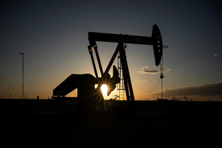 Is this the sunset of the oil industry? (AFP Photo/Paul Ratje)
