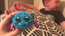 Mãe compra aranha de brinquedo online para o filho e se arrepende amargamente