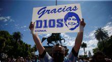 Minuto de silencio por Maradona en todos los campeonatos de fútbol en Ecuador