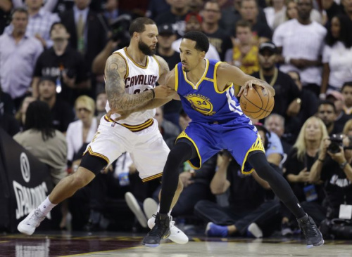 Shaun Livingston is a crucial piece of the Warriors' bench. (AP)