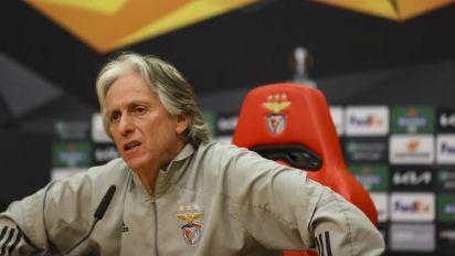 Jorge Jesus fala após eliminação do Benfica pela Europa League: 'É pancada atrás de pancada'