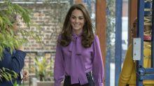 Herzogin Kate trägt ihre Gucci-Bluse verkehrt herum