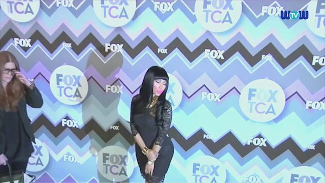 Wowtv - Nicki Minaj Shows Off Her Derriere in a Tight Lace Dress