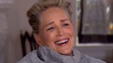 """La risa de Sharon Stone al preguntarle si se ha sentido """"incómoda"""" alguna vez que lo dice todo"""