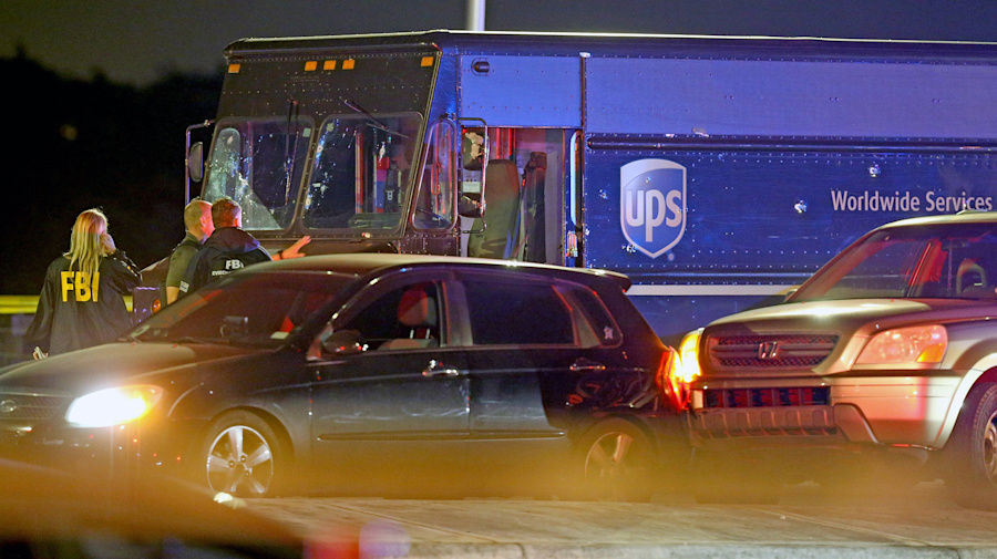 4 killed in shootout after theft of UPS truck