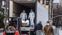Coronavirus: EEUU busca bolsas para cuerpos; esperanza en Europa