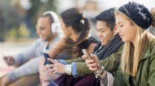 Screen time linked to lower levels of happiness in teenagers, study finds