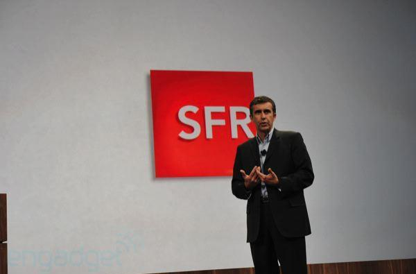 French operator SFR hooks up with Palm