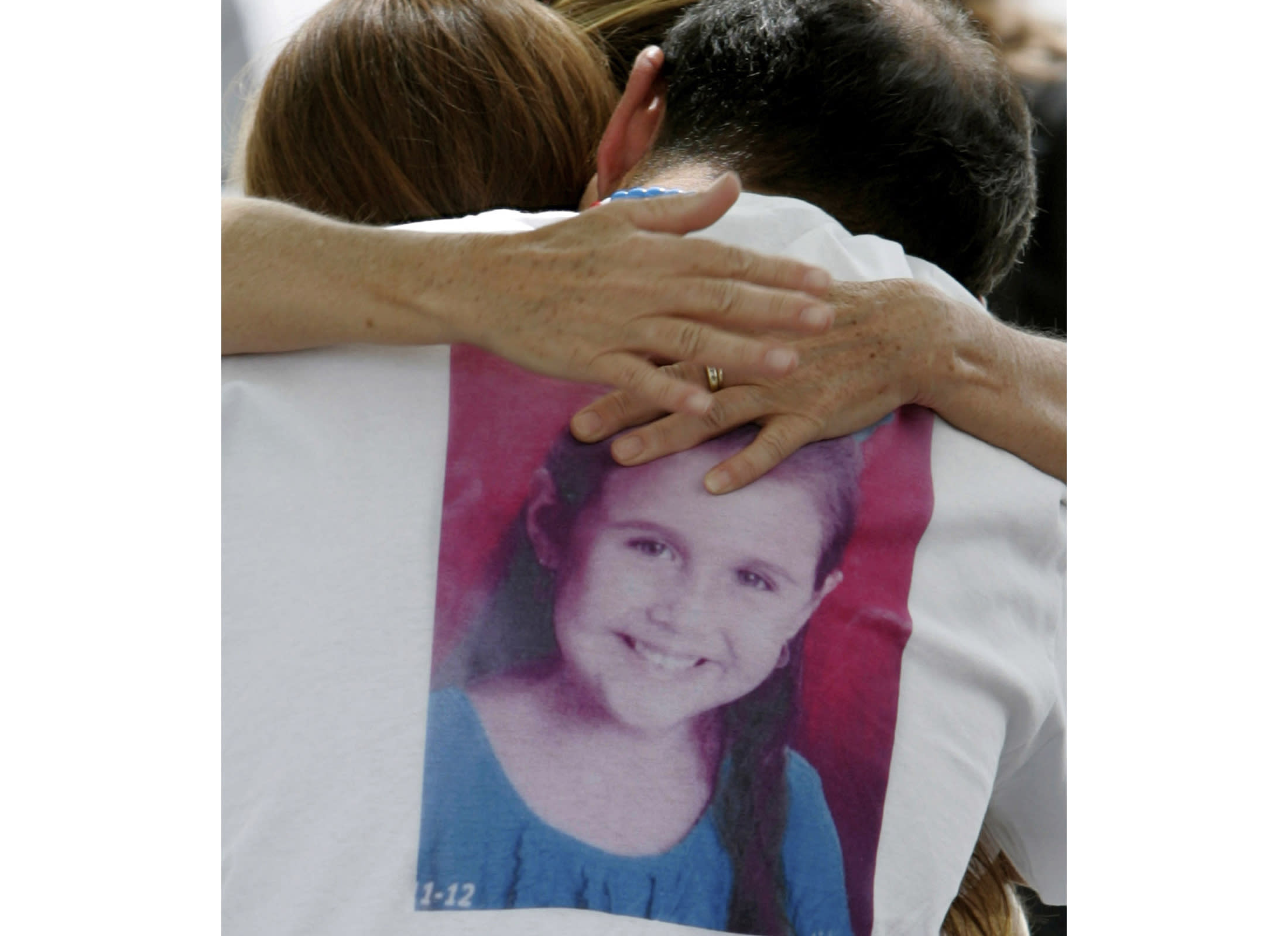 Man charged with killing 2 Arizona girls who went missing
