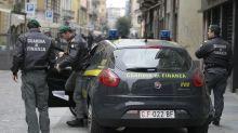 Lecce, armi e 530 kg di droga in casa: arrestato
