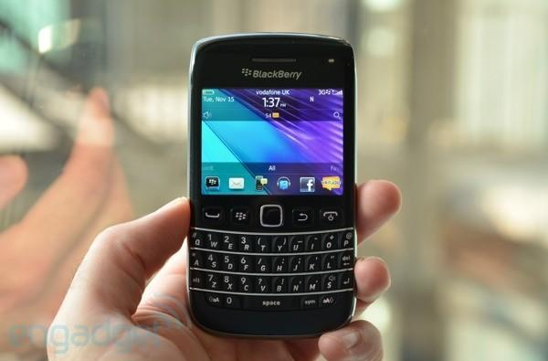 BlackBerry Bold 9790 hands-on (video)