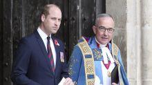 Kurz nach der Geburt seines dritten Kindes: Prinz William kann die Augen kaum offenhalten