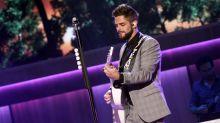 Chart Watch: Thomas Rhett puts country back on top