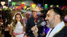 Ex-BBBs Breno e Paula 'se casam'em arraial beneficente