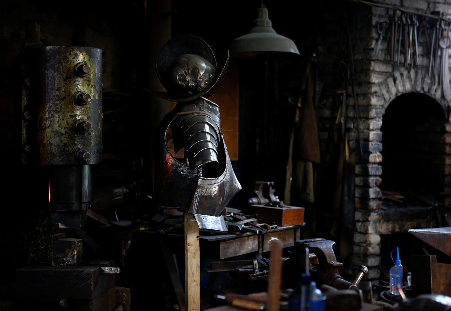 <p>Suit of armor for the Vatican's Swiss Guards is pictured at a workshop in Molln, Austria, March 29, 2017. (Photo: Leonhard Foeger/Reuters) </p>