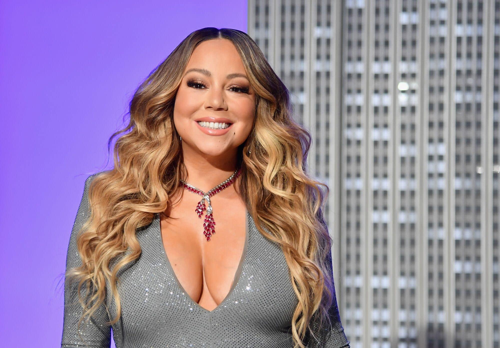 Mariah Carey S Hair Has Been Looking Very 90s Lately