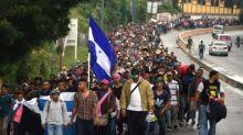 """Trump droht mit Militäreinsatz an Südgrenze wegen """"Ansturms"""" von Migranten"""