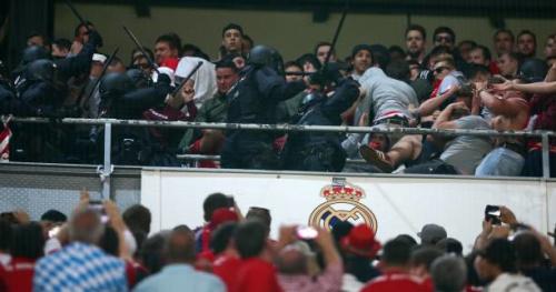 Foot - C1 - Le Bayern porte plainte contre la police espagnole après les affrontements en tribune