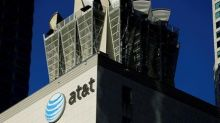 Ex-Trump lawyer to defend AT&T-Time Warner merger
