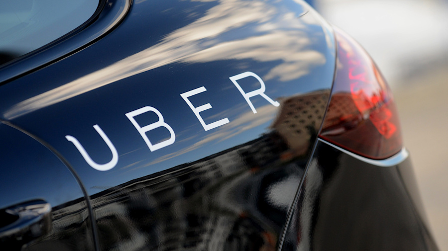 Uber suspends driver who streamed videos of passengers online without their permission