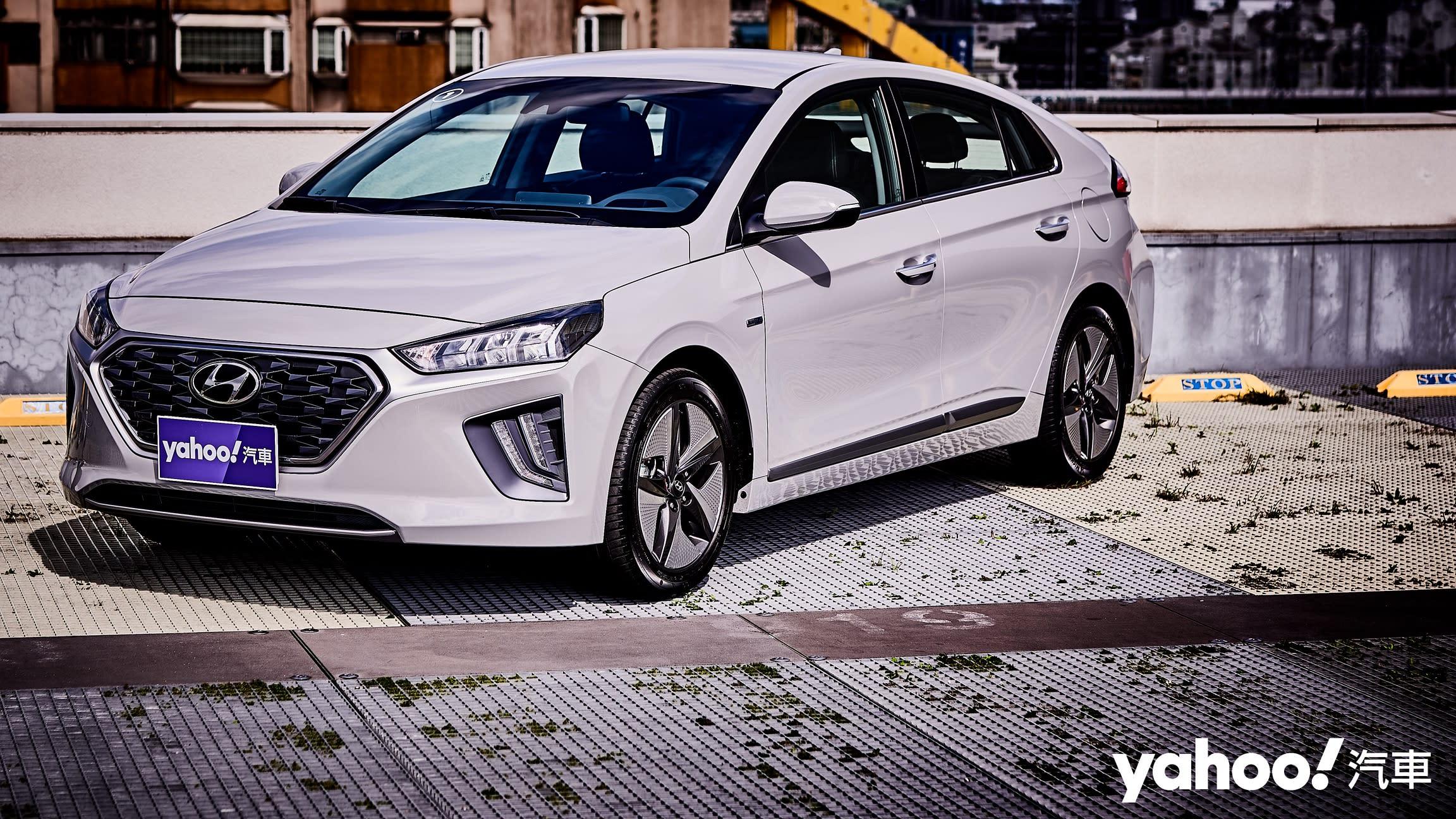 竟是富有玩味樂趣的超經濟都會通勤車!2021 Hyundai Ioniq Hybrid試駕體驗!