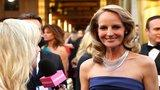 Helen Hunt Shares Her Oscars Expectations - in an H&M Gown!