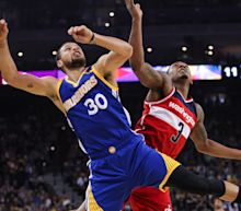 Bradley Beal and Stephen Curry's scoring title race could feature rare comeback
