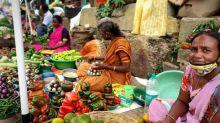 Inde: confrontée à une hausse des cas de Covid-19, Bangalore peine à imposer le port du masque