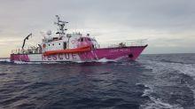 Banksy sponsert rosa Rettungsschiff für Geflüchtete