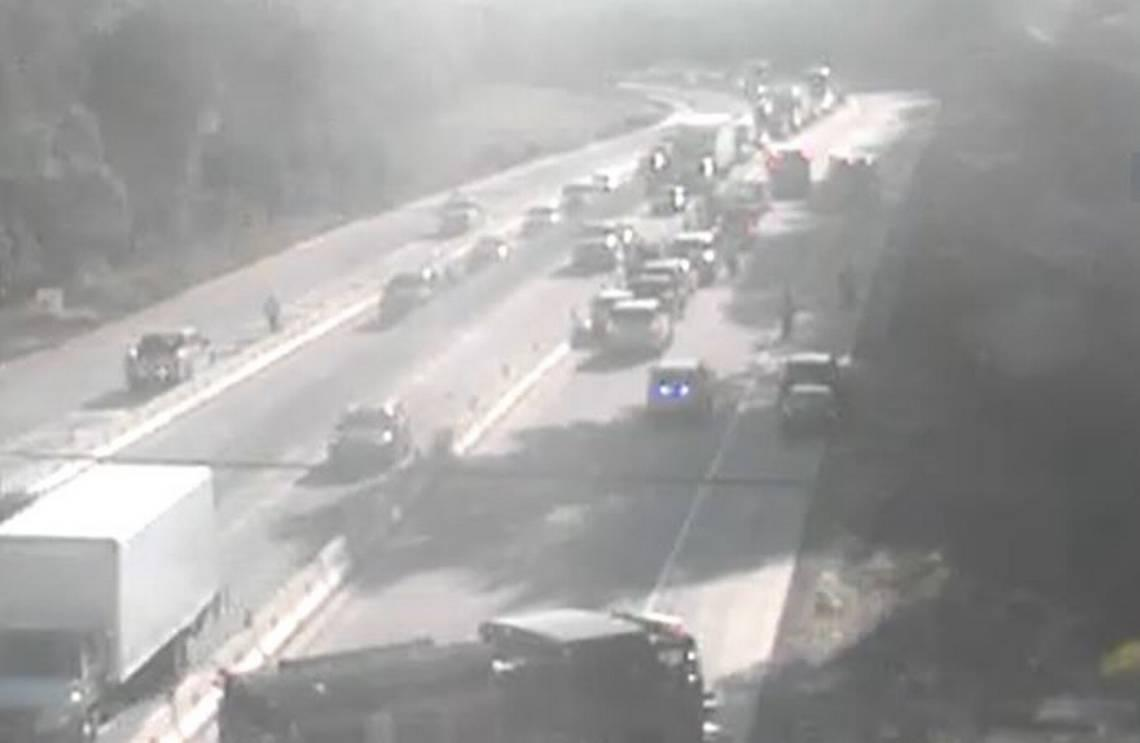 All lanes on interstate heading to Columbia blocked by multi-vehicle crash