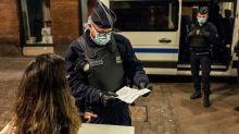 Le confinement approuvé par les deux tiers des Français, moins qu'en mars