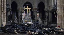 """Célébration du Vendredi saint à Notre-Dame de Paris : """"Une image de paix, d'espérance"""" au milieu des chiffres """"chaque jour plus terribles"""" du coronavirus"""