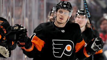 Flyers sign RFA Konecny to $33M deal