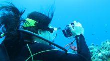 Elle retrouve son appareil photo deux ans après l'avoir perdu dans la mer