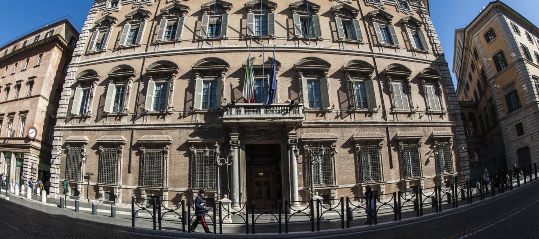 Legge elettorale il senato approva il disegno di legge for Parlamentari italiani numero