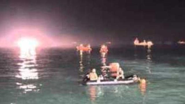 Divers Work Through the Night at Sewol Ferry Sinking Scene