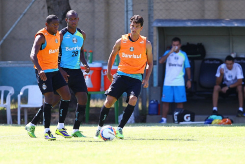 Zagueiro Rafael Thyere é o novo reforço da Chapecoense