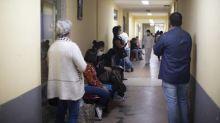 Boletim das 8h: Brasil tem 2.556.207 casos de Covid-19, aponta consórcio de veículos da imprensa