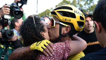 Radsport: Bernal gewinnt 106. Tour de France