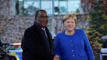 Primeiro-ministro e governo de Togo renunciam