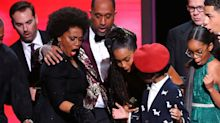 Black-ish star drops award on stage at Image Awards