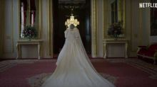"""The Crown"": l'équipe émue lorsque Emma Corrin a revêtu la robe de mariée de Diana"