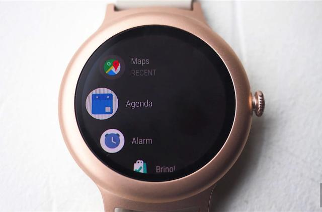Google can add new features to Android Wear through its app store