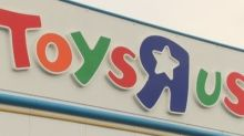 3,200 jobs at risk as Toys R Us UK lines up administrator