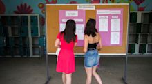 """#lundi14septembre : des lycéennes s'habillent """"de manière provocante"""" pour dénoncer le sexisme au lycée"""