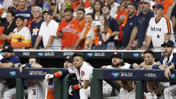 Report: Man struck by foul ball sues Astros