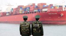 China responde a Trump con aranceles pero no descarta usar la deuda como arma en el conflicto