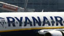 Passageiros hospitalizados por queda de pressão em avião da Ryanair